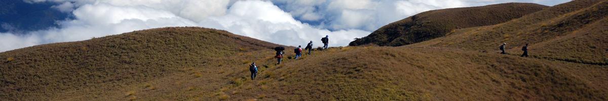 Viajar y andar, trekking y senderismo